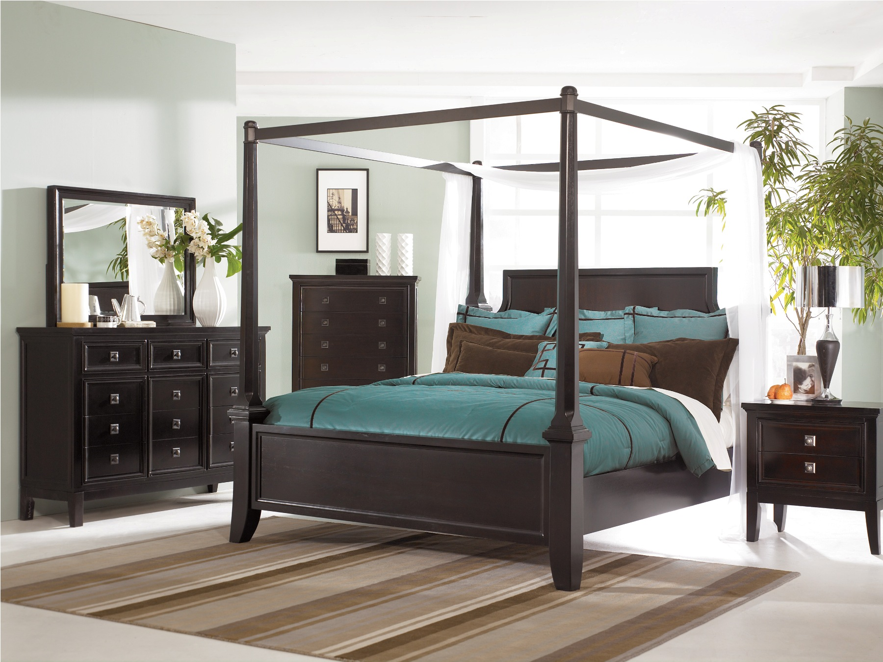 Diana Platform Bedroom Set of Ashley Furniture